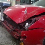 Golpe frontal - Ford Focus rojo (1)