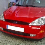 Golpe frontal - Ford Focus rojo (2)